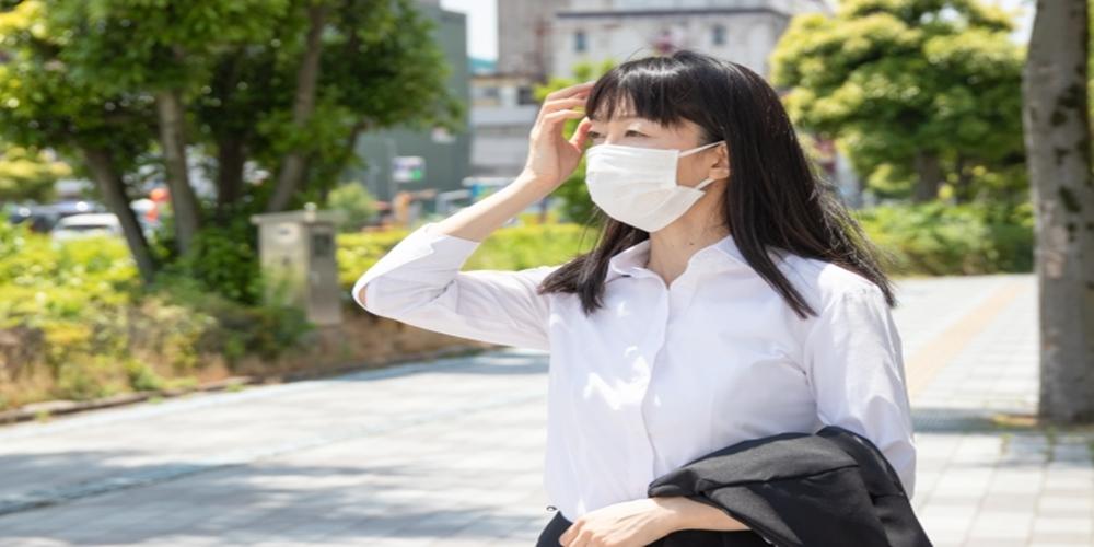 マスクをつけるとなぜ暑くなる?その理由を説明します。